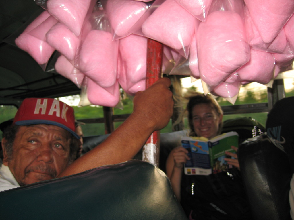 Chicken bus Nikaragua - Lucie Radová