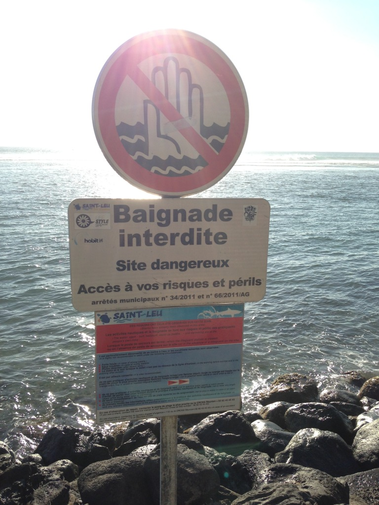 Réunion žraloci zákaz koupání